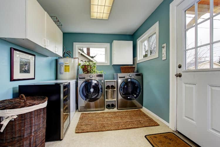 how to soundproof a laundry room door floor easy cheap. Black Bedroom Furniture Sets. Home Design Ideas