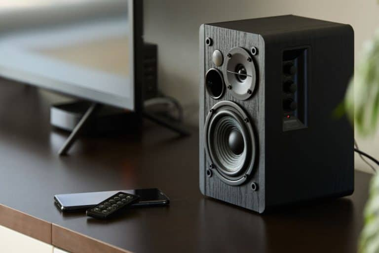Speakers buzzing: How to stop the annoying buzzing sound.